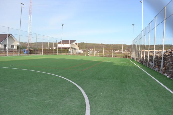 Realizare teren de sport
